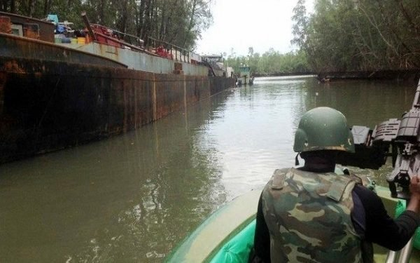 Navy Says It Has Destroys 2,287 Illegal Refineries In Effort To Stop Oil Theft - SurgeZirc NG