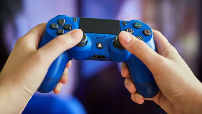 How To Connect Your PlayStation 4 Controller to An iPhone - SurgeZirc NG